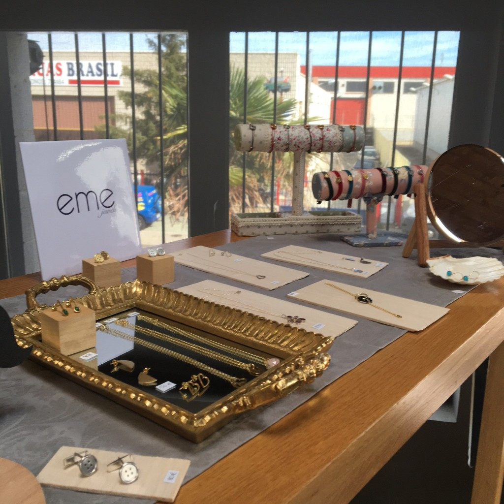 eme jewels en Office and Arts