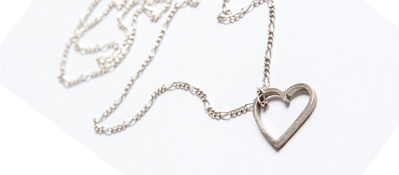 emejewels en Belleza Solidaria: El corazón de Eme Jewels en apoyo a los mayores